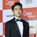 17회 JeonjuIFF 레드카펫 | 박진영(GOT7), 첫 주연작으로 전주를 사로잡은 당찬 신예