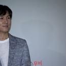 <시선 사이> 인터뷰 ② | 오래 벼린 균형 감각, <과대망상자(들)> 김동완